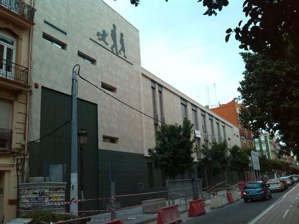 Foto fachada nuevo colegio